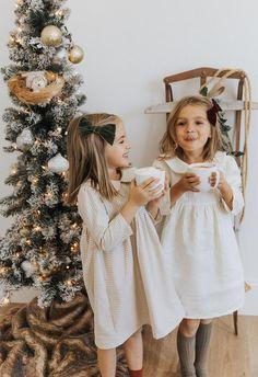 Girls Holiday Dresses, Girls Easter Dresses, Baby Girl Dresses, Holiday Outfits, Baby Dress, Flower Girl Dresses, Vintage Baby Boys, Peter Pan Collar Dress, Girls Bows