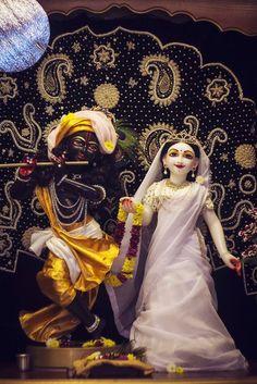 Lord Krishna Images, Radha Krishna Pictures, Radha Krishna Photo, Krishna Photos, Krishna Art, Shiva Art, Radhe Krishna Wallpapers, Lord Krishna Wallpapers, Iskcon Krishna