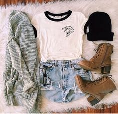 Image via We Heart It #ankleboots #beanie #fashion #grunge #jeanshorts #outfit #sweater