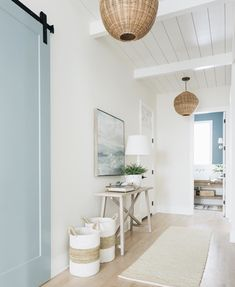 Super Easy Ways to Turn Your Home into Farmhouse Beach Cottage dream houses I am crazed over beachy home design. Since beachy home design becomes a trend in recent years, I try my best to make my home beachy. Beach home décor . Decor, House Styles, Beach House Interior, Interior, Coastal Living Rooms, Coastal Interiors, Hallway Designs, Home Decor, House Interior