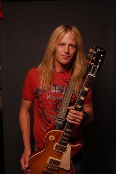 Doug Aldrich, guitarrista de Whitesnake! *-* <3