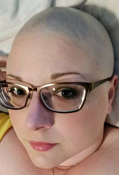 #hairdare #bald #smooth #headshave #closeshave #baldwoman #shavedhead #glasses #beautiful