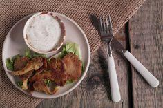 Te panierowane grzyby można jeść do obiadu zamiast mięsnych kotletów lub porostu jako przekąskę z sosem czosnkowym. Tak, czy tak są porostu pyszne! Chicken, Meat, Kitchen, Blog, Cooking, Kitchens, Blogging, Cuisine, Cucina