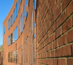 Hopkins Architects designed University of East London, Library using our Charnwood Mixed Hampshire Red bricks.