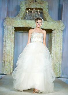 I Do! Bridal Soiree® at the InterContinental Houston Hotel~Gown: Parvani Vida Bridal & Formal~Photo: Nhan Nguyen Photography~Weddings in Houston Magazine