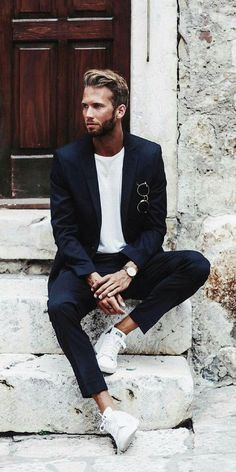 Issue 01 - Minimal Street Style Inspiration For Men — Minimal Closet