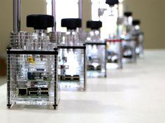 アタッシュケースに入れて持ち運べる!重さ1.1kgの光造形式3Dプリンター「iBox Nano」が登場!
