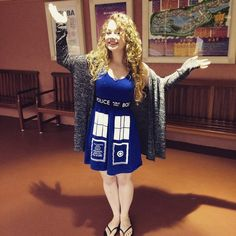 Carrie Hope Fletcher in an amazing TARDIS dress! I want it!