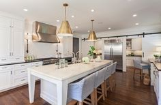 10 Ways to Add Glitz and Gold to Your Home Interior - http://freshome.com/10-ways-to-add-glitz-gold-your-home-interior/