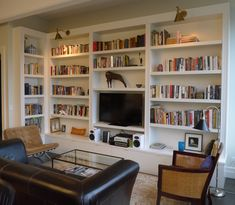 Library Cabinetry | Custom Bookcase | Built-in Shelving — Hudson Cabinetry Design Drawing Room, Living Room Bookcase, Bookcase Wall, Living Room Decor, Built In Bookcase, Bookcases, Tv Intégré, Library Lighting, Etagere Tv