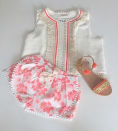 Cute little baby vest and shorts! Fun way to dress up a basic onesie for a fun summer day Little Girl Fashion, Toddler Fashion, Toddler Outfits, Kids Outfits, Kids Fashion, Cute Outfits, Kid Styles, My Baby Girl, Baby Wearing