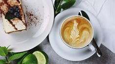 Have you considered buying a cappuccino maker? Which one would you choose? Here is an insight in Top 5 best cappuccino machines and what makes them the best. Salt In Coffee, Chefs, Latte Macchiato, Frappe, Mocha Frappuccino, Espresso Latte, Best Home Espresso Machine, Natural Coffee, Street Food