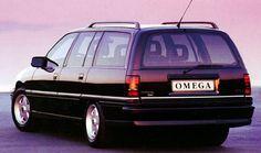 Opel Omega Caravan deze kleur en een grijze