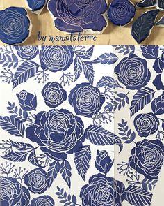 Always love Indigo for flowers pattern #bymamalaterre #handcarvedstamp #floralstamp #eraserstamp #handprinted #handcarved