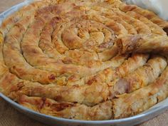 Zonguldak'ın yöresel lezzetlerinden biri, üzerine şerbet dökenler de var ama ben bu halini daha çok seviyorum.   Malzemeler :   Ham...