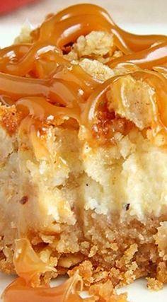 Caramel Apple Cheesecake Bars, Mini Caramel Apples, Caramel Apple Crisp, Vegan Apple Crisp, Apple Crisp Recipes, Köstliche Desserts, Dessert Recipes, Easy Dessert Bars, Savoury Cake