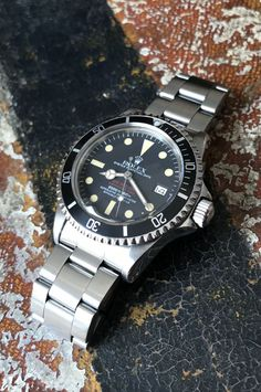 """Rolex """"The Double Red Seadweller ref. Status: available Vintage Rolex, Vintage Watches, Cool Watches, Watches For Men, Rolex Tudor, Sea Dweller, Breitling Watches, Rolex Submariner, Men's Accessories"""