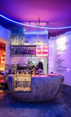 Gallery of How Color Affects Architecture - OMNOMNOM Vegan Cafe / replus design bureau. Design Café, Cafe Design, House Design, Retro Design, Design Ideas, Retro Cafe, Restaurant Interior Design, Shop Interior Design, Interior Ideas