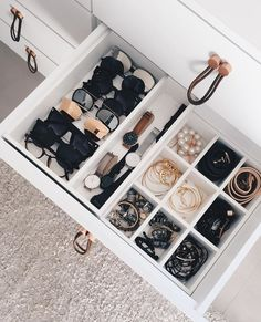 Learn How To Organize a Messy Room with these 39 Decluttering Ideas - Walk In Closet - Small Apartment Organization, Home Organisation, Bathroom Organization, Makeup Organization, Dresser Drawer Organization, Storage Drawers, College Desk Organization, Organization Ideas For The Home, Small Apartment Closet