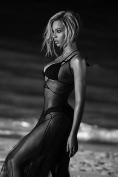 Beyonce - Drunk In Love Music Video. She always wear her brows right! Beyonce Drunk In Love, Beyonce Style, Beyonce And Jay Z, Beyonce Body, Solange Knowles, Beyonce Knowles Carter, Blue Ivy Carter, Michelle Lewin, Ballerinas
