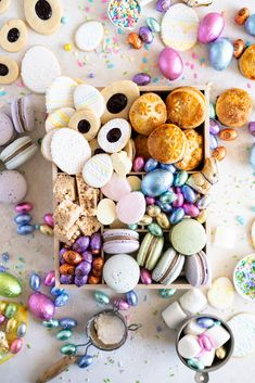 Mpin - The Ultimate Easter Treat Box — Cloudy Kitchen Best Sugar Cookies, Iced Cookies, Easter Cookies, Easter Treats, Easter Gift, Easter Lunch, Happy Easter, Hand Pies, Popcake Maker