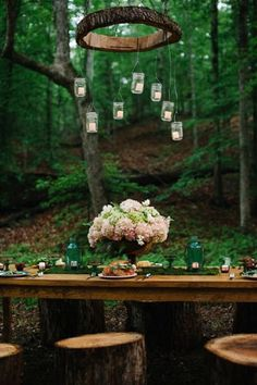 outdoor woodland wedding reception decor / http://www.deerpearlflowers.com/woodland-wedding-table-decor-ideas/
