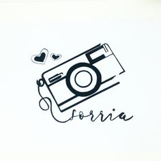 Quadro pintado a mão com moldura preta ou branca. Vintage Frases, Camera Clip Art, Camera Logo, Mini Tattoos, Cute Wallpapers, Instagram Feed, Tatoos, Doodles, Sketches