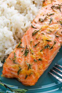 Flavorful lemon, garlic, and thyme baked salmon ready in just 20 minutes! Healthy Salmon Recipes, Fish Recipes, Seafood Recipes, Healthy Dinner Recipes, Vegan Recipes, Cooking Recipes, Simple Baked Salmon, Garlic Salmon, Lemon Salmon
