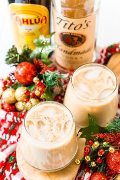 This Eggnog White Russian is a fun holiday twist on the classic vodka cocktail! Made with eggnog, coffee liqueur, vodka, and a dash of nutmeg! Classic White Russian Recipe, White Russian Cocktail, White Russian Recipes, Classic Vodka Cocktails, Eggnog Cocktail, Cocktail Recipes, Cocktail Drinks, Eggnog Recipe, Drinks Alcohol Recipes
