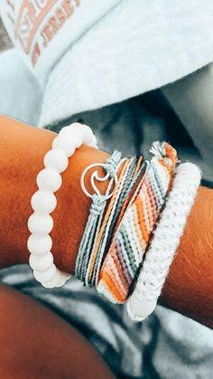 Summer Bracelets, Cute Bracelets, Summer Jewelry, Beach Bracelets, Peach Aesthetic, Summer Aesthetic, Surfergirl Style, Cute Friendship Bracelets, Accesorios Casual