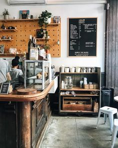 Ludlow coffee supply new york restaurants en 2019 coffee supplies, nyc coff Cafe Bar, Cafe Bistro, Cafe Shop, My Coffee Shop, Coffee Shop Design, Coffee Cafe, Coffee Shop New York, Coffee Store, Cafe Interior Design