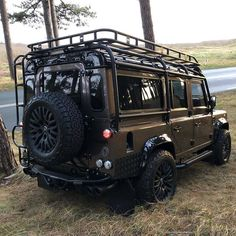 Pin by Michael on Autos Landrover Defender, Land Rover Defender 130, Defender Camper, Land Rover Car, Defender 90, Landrover Camper, Land Rover Camping, Offroad, James Bond Auto