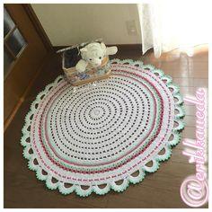 120cm de muito amor!!! Tapetão para um dos amores da minha vida!!! #crochetespecial #tapetão #carpet #crocheparafilhota #crochê #crochet #crocheted #crochelove #forhomedecoration #crocheting #crochetlove #crochetblanket #crochetersofinstagram #crochetlife #erikkaueda #sammyscrochet #feitoamão #handmade #handcrafts by erikkaueda