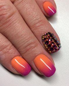 #ombre #swarovski #manicure #spring #shortnails