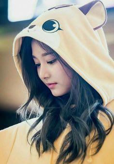 Cute Girl Poses, Cute Girl Pic, Stylish Girl Pic, Cute Girls, Korean Beauty, Asian Beauty, Girl Pictures, Girl Photos, Twice Tzuyu