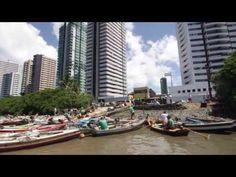 Pescando lixo nas águas do Rio Capibaribe