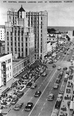 Central Avenue looking East, St. Petersburg, Florida 1940's.  Many of the buildings are still there.  Used to have an apartment not to far from here.