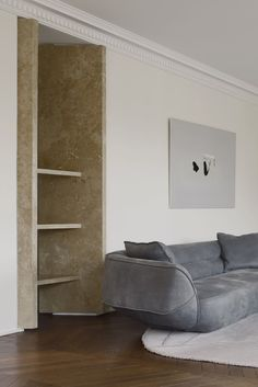 Shelf + couch.