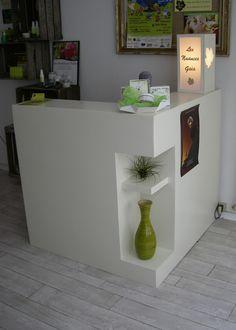 SG Mobilier Carton, comptoir d'accueil en carton   www.mobilier-carton-sur-mesure.com