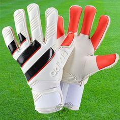 Adidas - Ace Zones Pro 98 Une réédition du gant de gardien de but de 1998