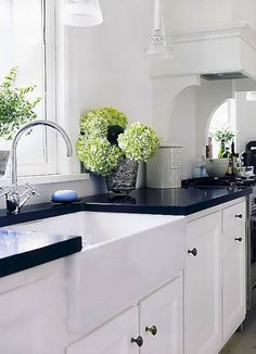 Outstanding 24 Best RV Kitchen Remodel Ideas With Before And After Pictures https://24spaces.com/outdoor/24-best-rv-kitchen-remodel-ideas-with-before-and-after-pictures/