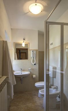 bagno/restroom camera n°206   #lasibilla #sassotetto #sarnano #sibillini #marche #italy
