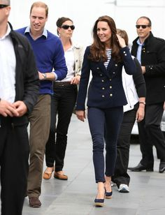 http://thedailygossipnews.blogspot.com/2014/05/now-kate-middleton-bare-bottom-picture.html