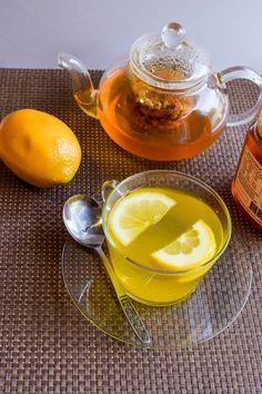 Tee zubereiten - Kurkuma Tee mit Zitrone