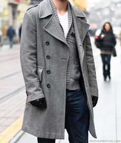 Guys casual winter outfit: grey coat and a wooly cardigan
