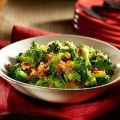 Fan Favorite Broccoli Salad. Heart Healthy Recipes, New Recipes, Salad Recipes, Favorite Recipes, Broccoli Cauliflower Salad, Raw Broccoli, Soup And Salad, Pasta Salad, Macaroni Salad