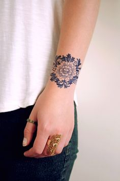 Temporary 'Delfts Blauw' floral tattoo by Tattoorary on Etsy https://www.etsy.com/listing/185899216/temporary-delfts-blauw-floral-tattoo