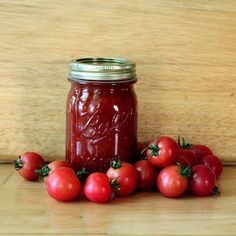 How to Can Tomato Sauce. How to Can Tomato Sauce - Recipe and Instructions: So what do you do when you have more tomatoes than you can eat? Tomato Sauce Recipe, Canned Tomato Sauce, Sauce Recipes, New Recipes, Favorite Recipes, Vegetarian Recipes, Yummy Recipes, Recipies, Canning Food Preservation