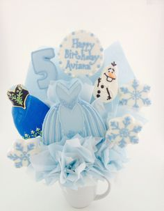 Any Frozen Fans out there? Fun Frozen party idea...a Cookie Bouquet!