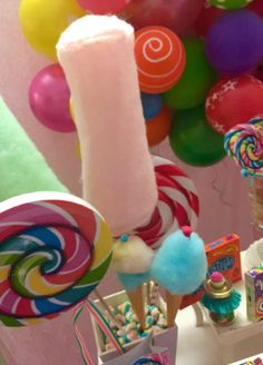 Erika Cool Party's Birthday / Candys - Photo Gallery at Catch My Party Candy Theme Birthday Party, Candy Party, Birthday Ideas, Birthday Parties, Rainbow Lollipops, Maria Clara, Rainbow Painting, Candy Land, Candy Buffet